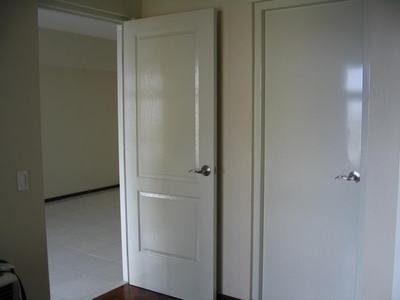 Modern Bedroom Door Designs In Wood With Glass For Homes In India - Glass door designs for bedroom
