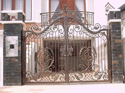 81+ Modern Wrought Iron Pipe Main Gate Designs for Homes (Photo ...